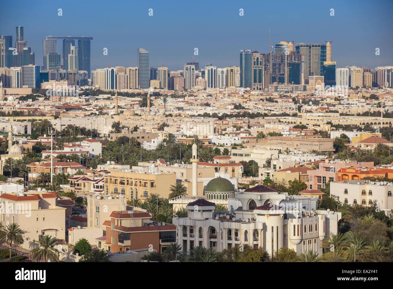 Vista dello skyline della città, Abu Dhabi, Emirati Arabi Uniti, Medio Oriente Immagini Stock