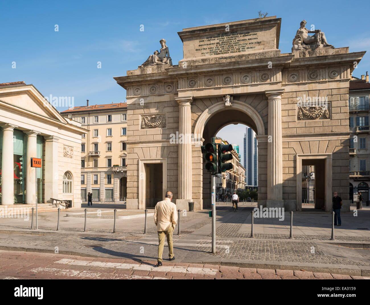 Esterno del Monumento di Porta Garibaldi, Milano, Lombardia, Italia, Europa Immagini Stock