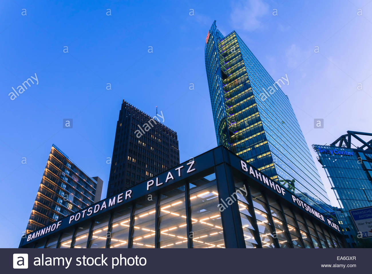 Germania, Berlino, edifici per uffici a Potsdamer Platz Immagini Stock