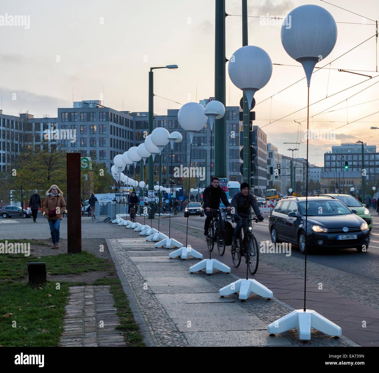 Berlino, Germania. 7 Novembre, 2014. Il venticinquesimo anniversario della caduta del muro di Berlino si celebra Immagini Stock