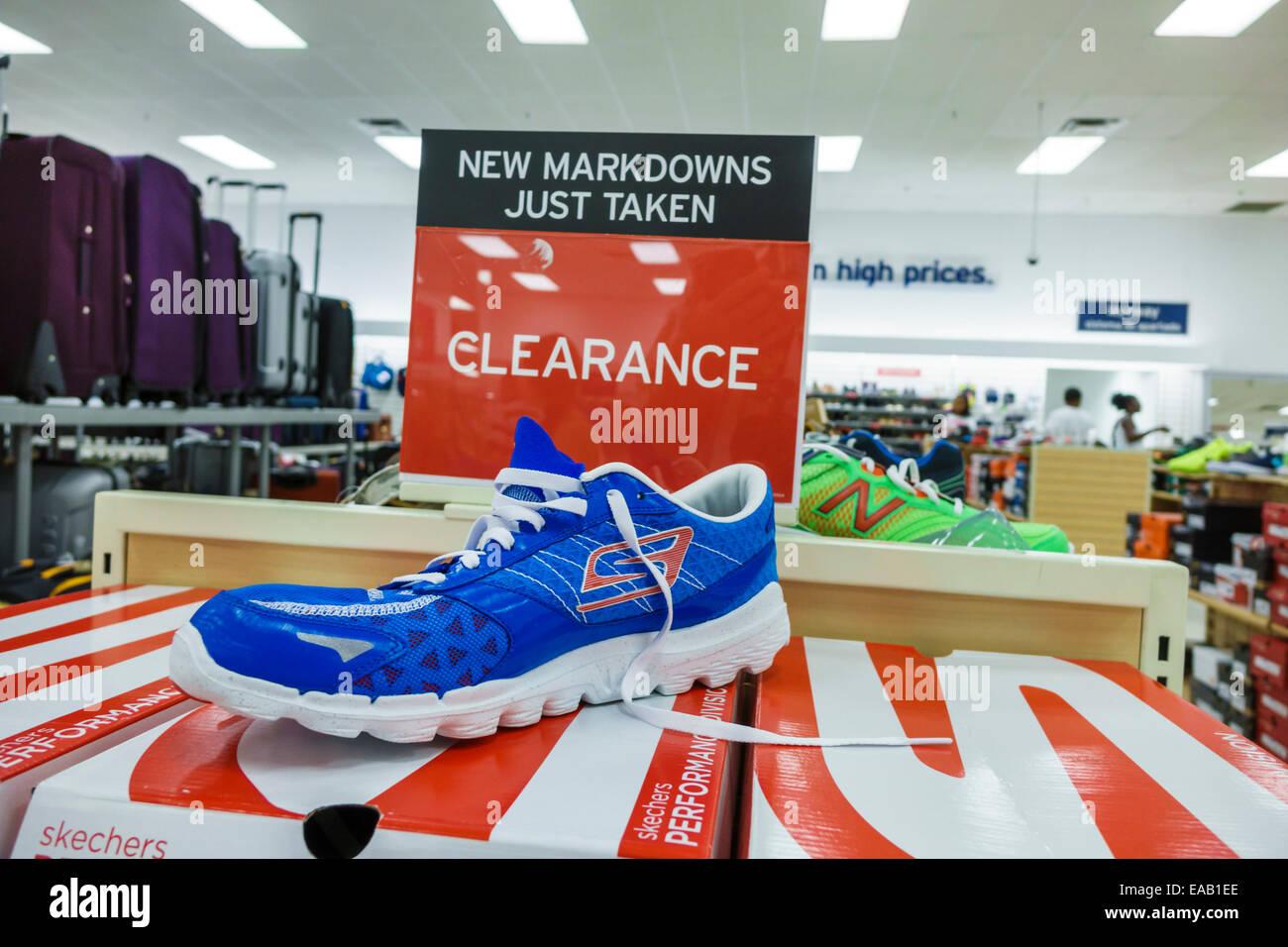 f237e3bf47870 Miami Florida sconto Marshalls department store shopping all interno di  vendita display segno gioco delle