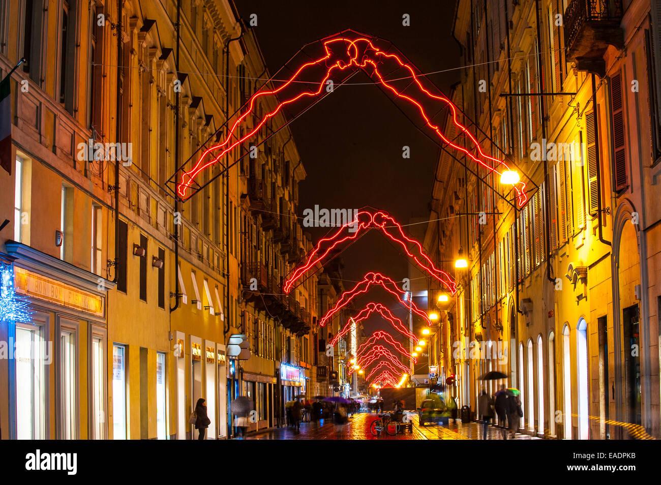 Torino, Italia. Xii Nov, 2014. Italia Piemonte Torino ' Luci 'artista' in via Lagrange - Noi - da Luigi Immagini Stock