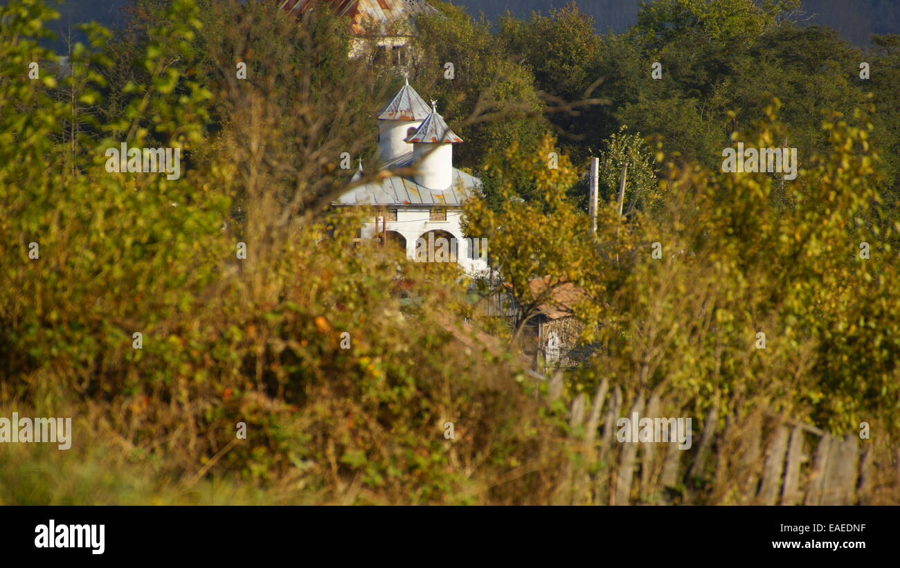 Chiesa ortodossa tradizionale campagna dalla Romania, Est Europa. Immagini Stock