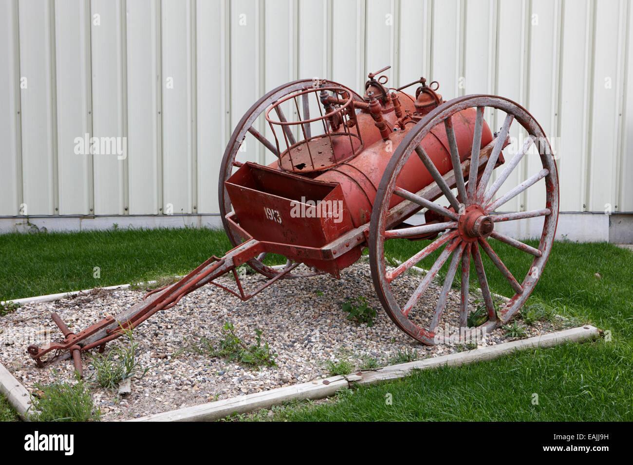 Disegnata a mano vintage fire chemical carrello 2 unità di serbatoio di Saskatchewan in Canada Immagini Stock