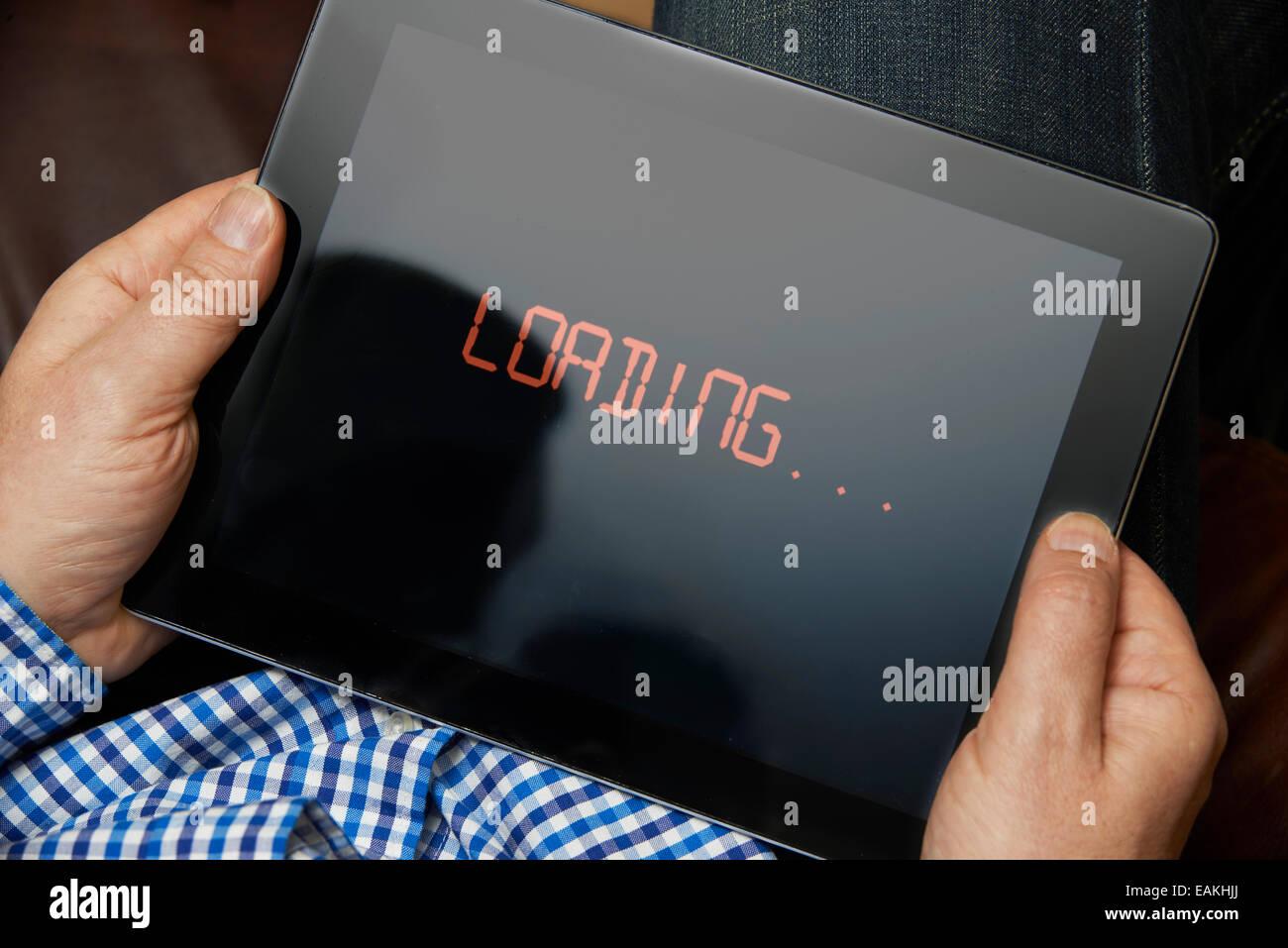 Connessione a Internet lenta sulla tavoletta digitale Immagini Stock