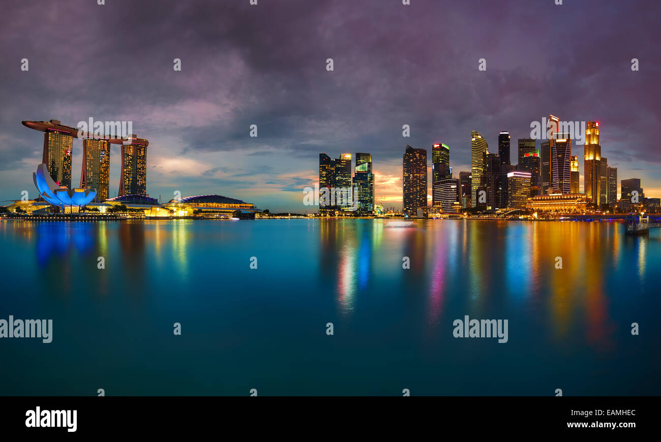 Singapore skyline al tramonto Immagini Stock