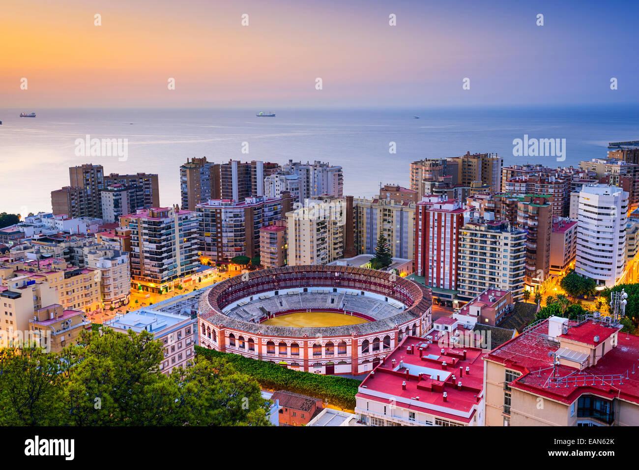 Malaga, Spagna cityscape all'alba. Immagini Stock