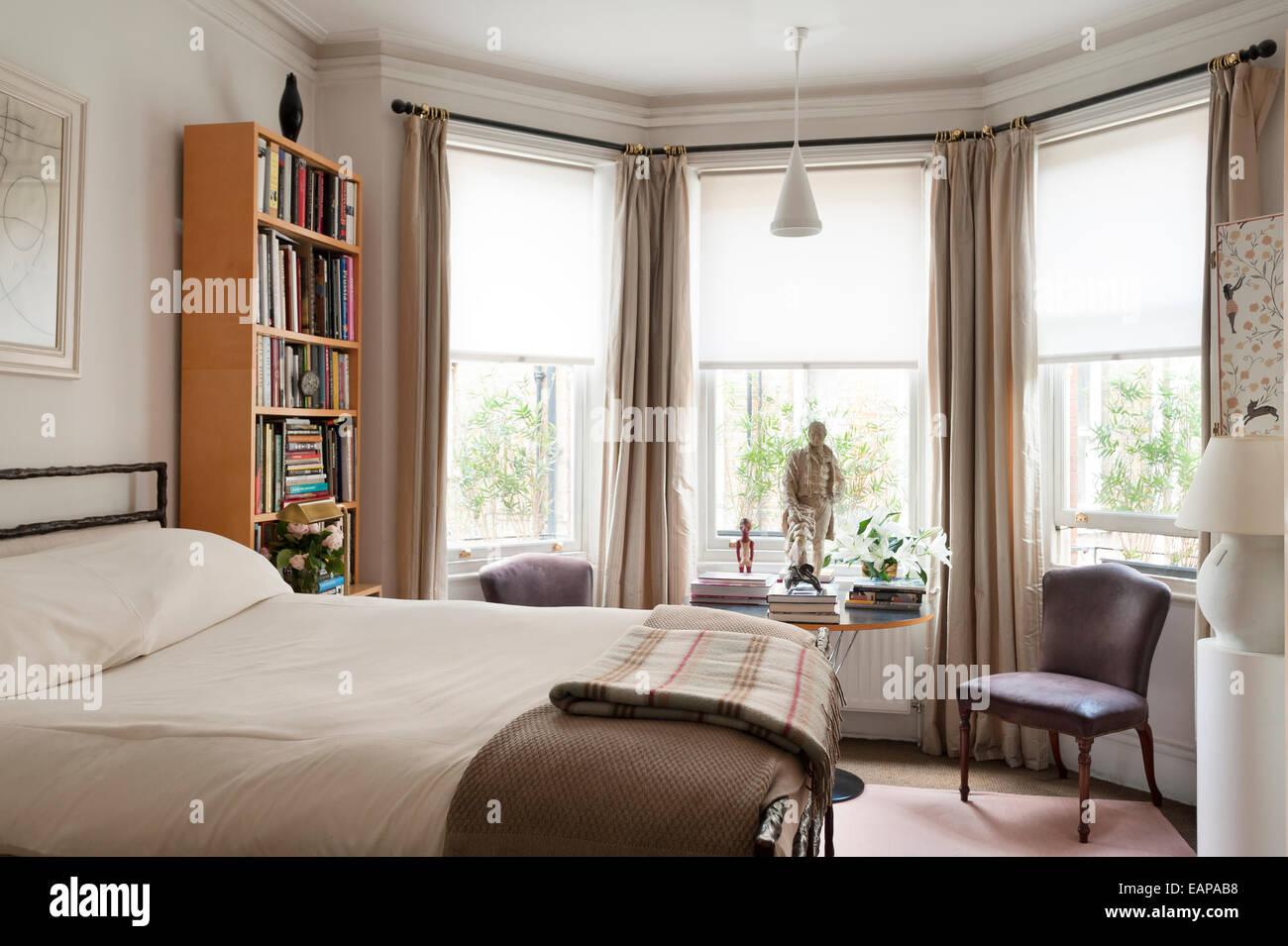 Tappeti Per Camere Da Letto Classiche : Sedie per la camera da letto: sedie di salotto grige delle sedie di