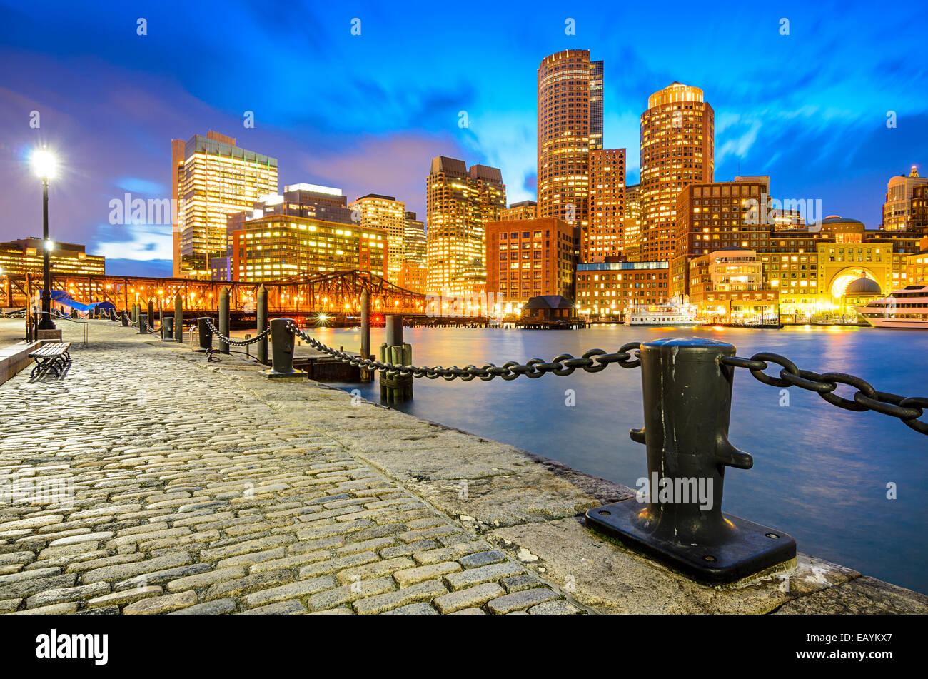 Boston, Massachusetts, USA Skyline al molo della ventola. Immagini Stock