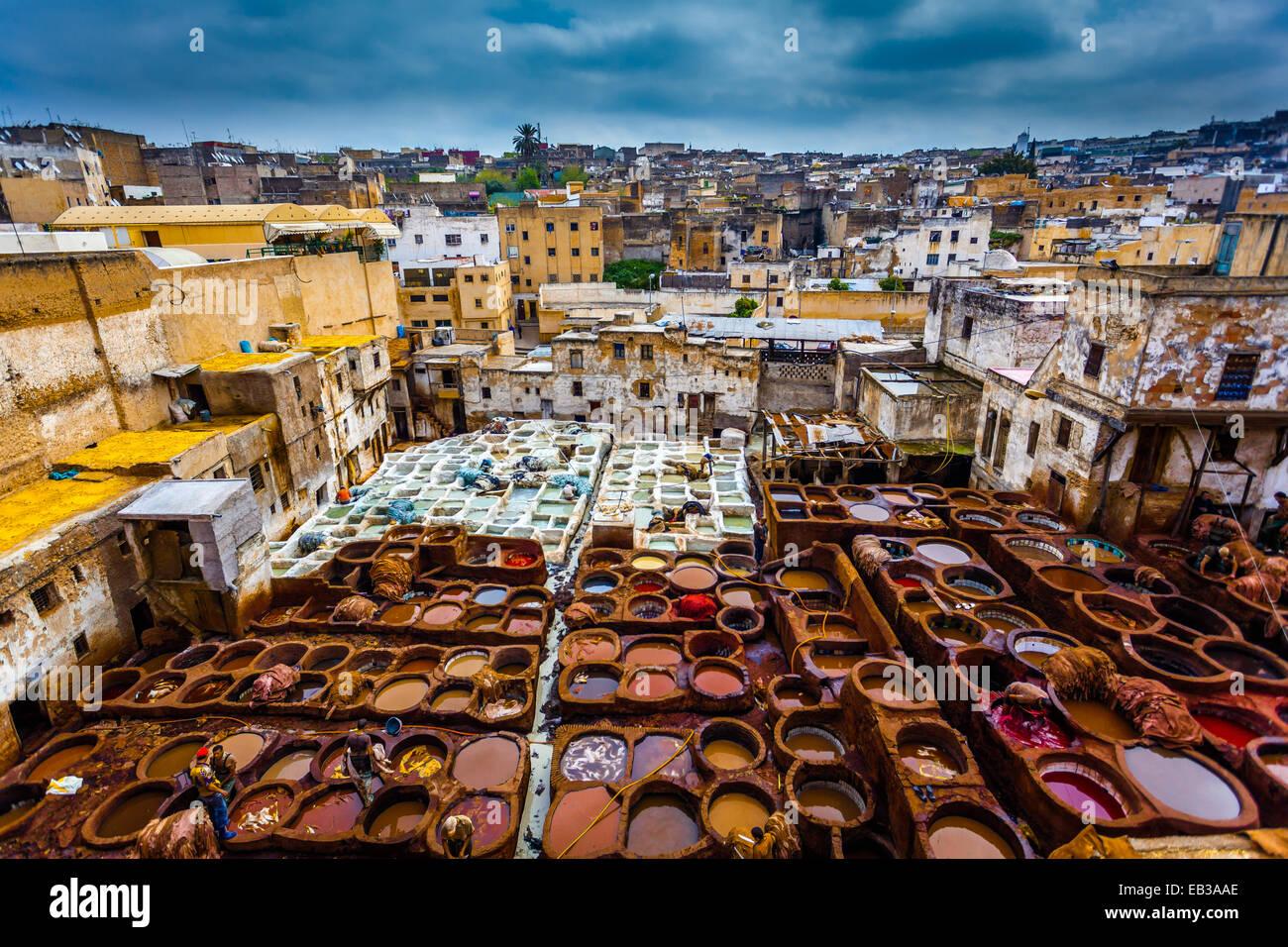 Il Marocco, Fes, Medina, concerie souk Immagini Stock