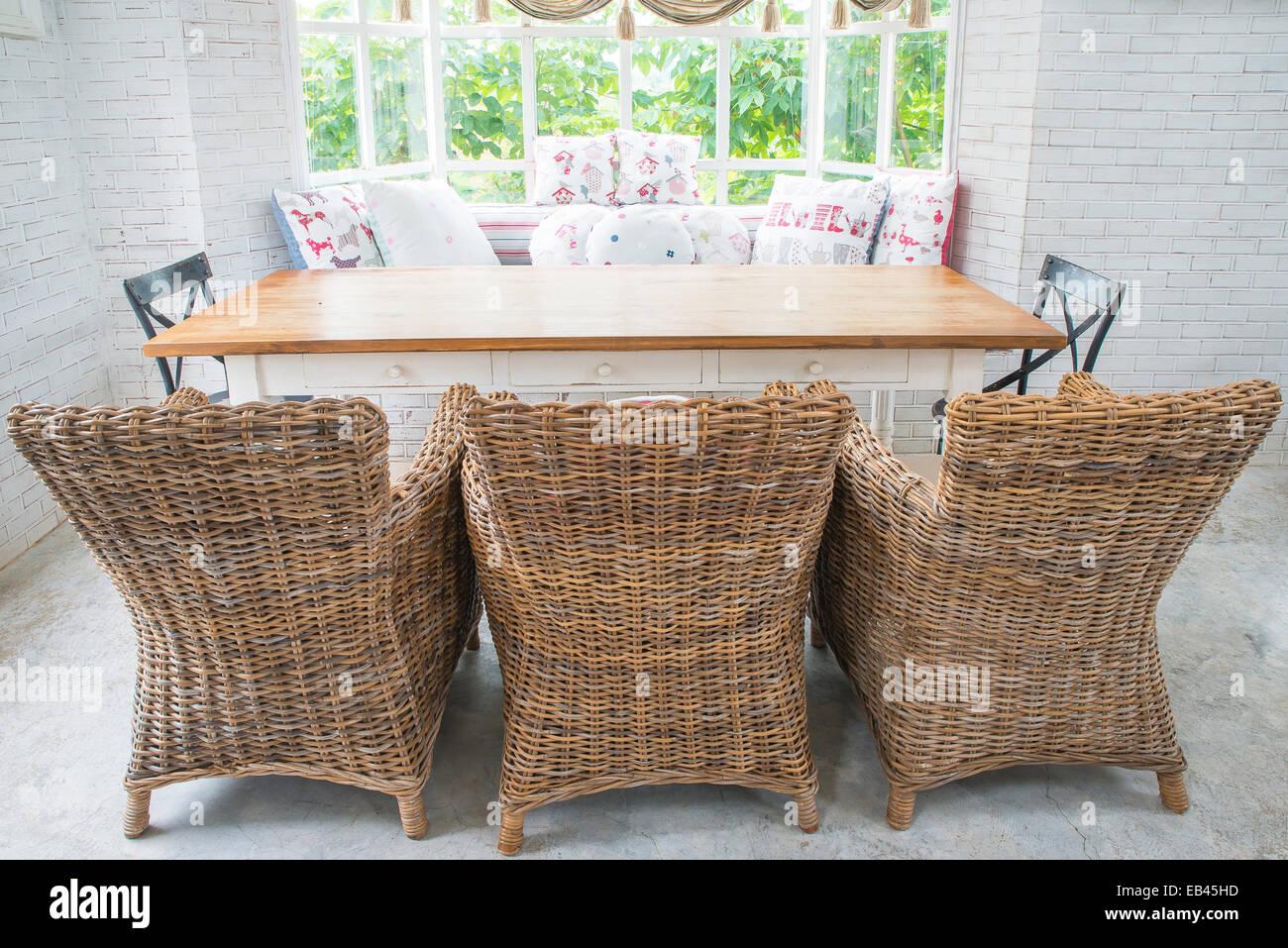 Vintage divano di tessuto in uno stile inglese e soggiorno foto