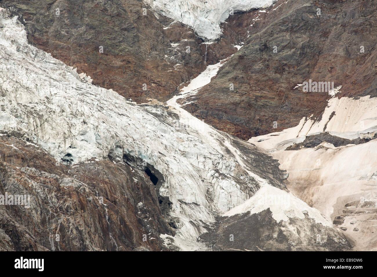 Il rapidamente ritirandosi Bionnassay ghiacciaio proveniente dal Mont Blanc gamma. Esso si è retratto oltre Immagini Stock