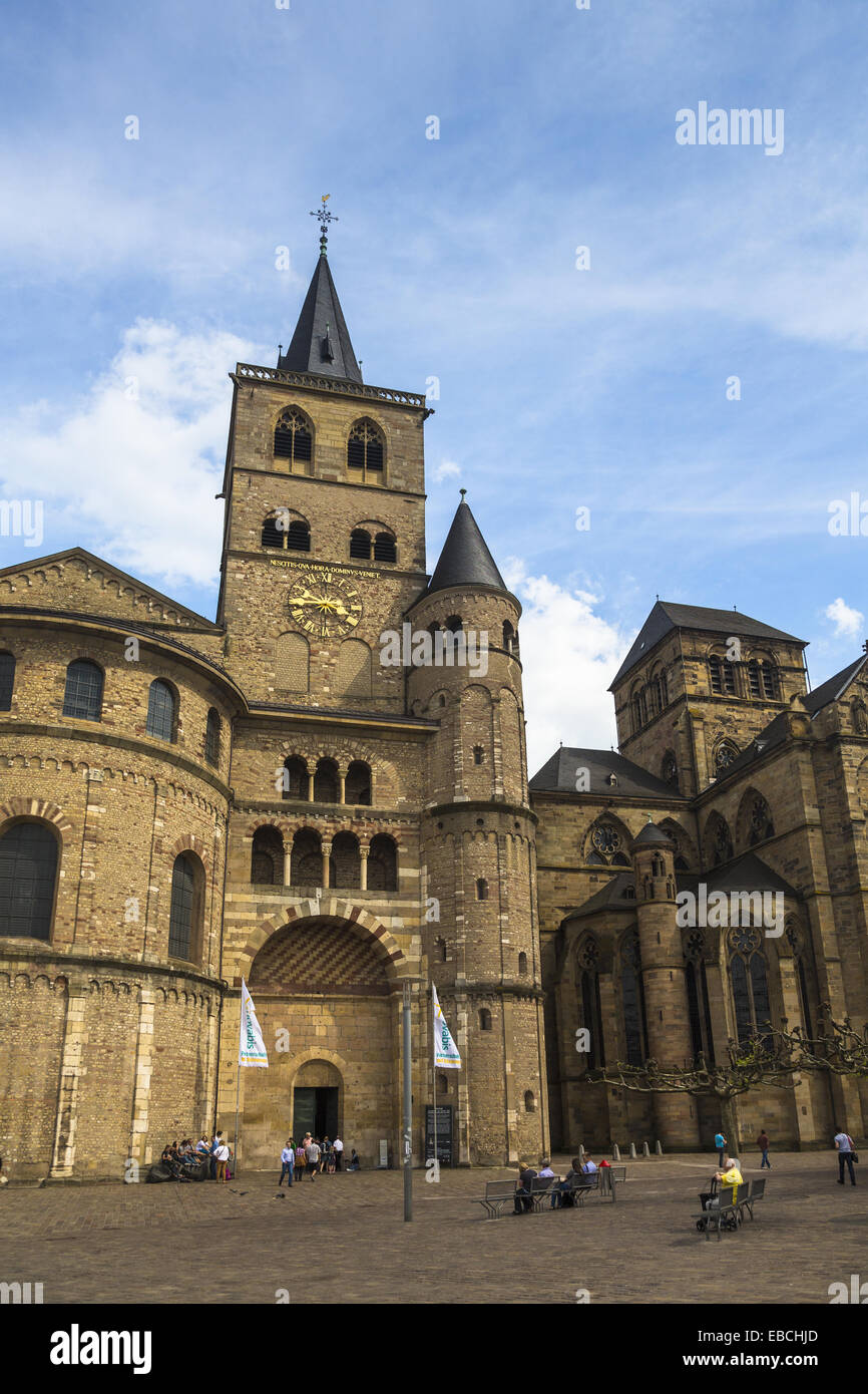 Xii secolo età di età compresa tra architettura antica credenza edificio blu cattedrale cristiana chiesa Immagini Stock