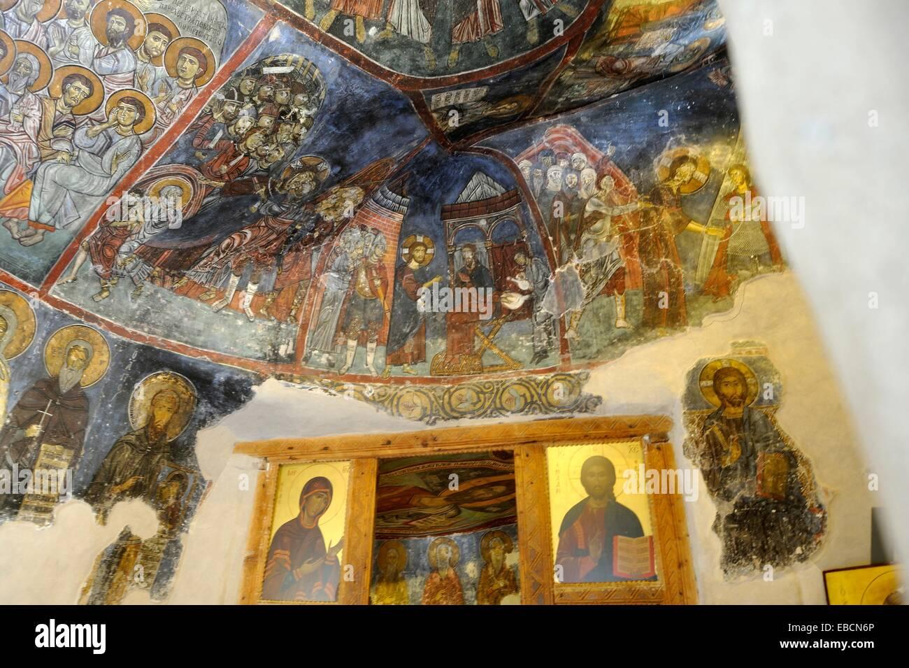 Muri decorati con affreschi del ermitage grotta del monaco che ha fondato del XII secolo Agios Neophytos monastero Immagini Stock