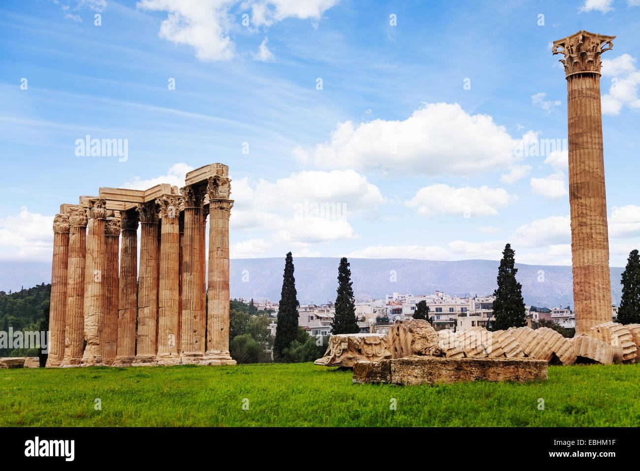 Bellissimo il tempio di Zeus ad Atene, Grecia Immagini Stock