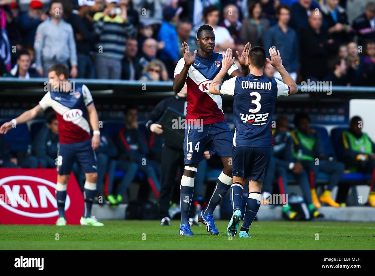 Cheikh Diabate / Diego contento - 30.11.2014 - Bordeaux / Lille - 15eme journee de Ligue 1 Photo : Manuel Blondau Foto Stock