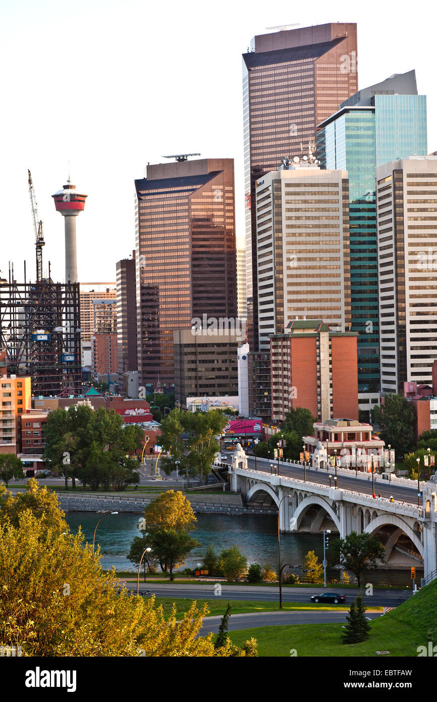 Grattacieli aziendali e Torre di Calgary, Canada, Alberta, Calgary Immagini Stock