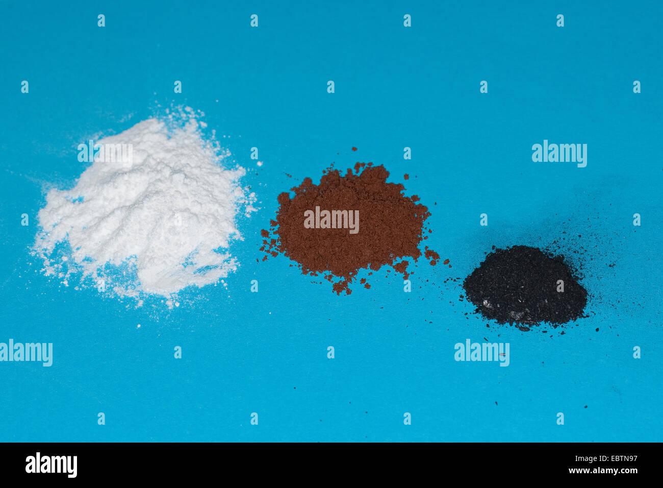 Materiale per la rilevazione delle impronte digitali: polvere, la polvere di cacao, grafite da una matita Immagini Stock