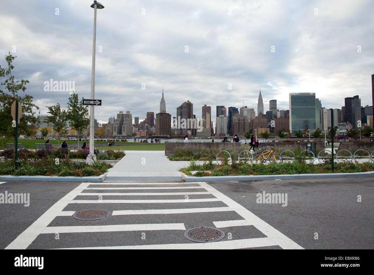 Il cacciatore punto a sud Waterfront Park, Long Island City, Queens, NY, STATI UNITI D'AMERICA, la città Immagini Stock