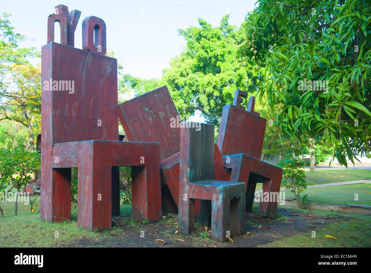 Dominikanische Republik, Santo Domingo, Parque de la Cultura, Skulpturenpark vor dem Museo de Arte Moderno Immagini Stock