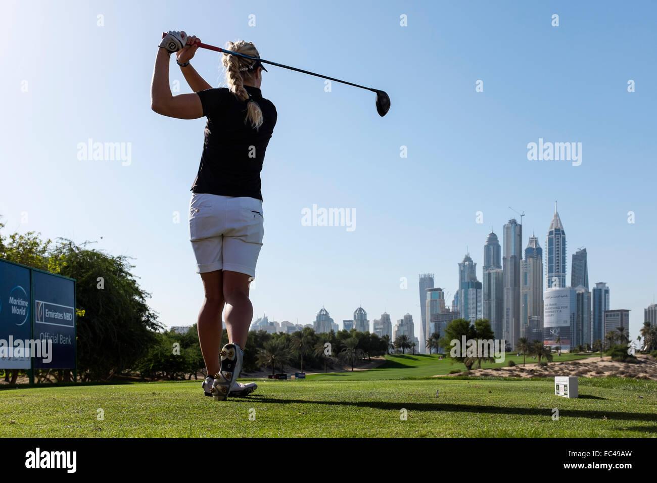 Dubai, Emirati Arabi Uniti. 9 dicembre, 2014. Charley scafo di Inghilterra tees off dal 8 Tee all'Emirates Golf Immagini Stock