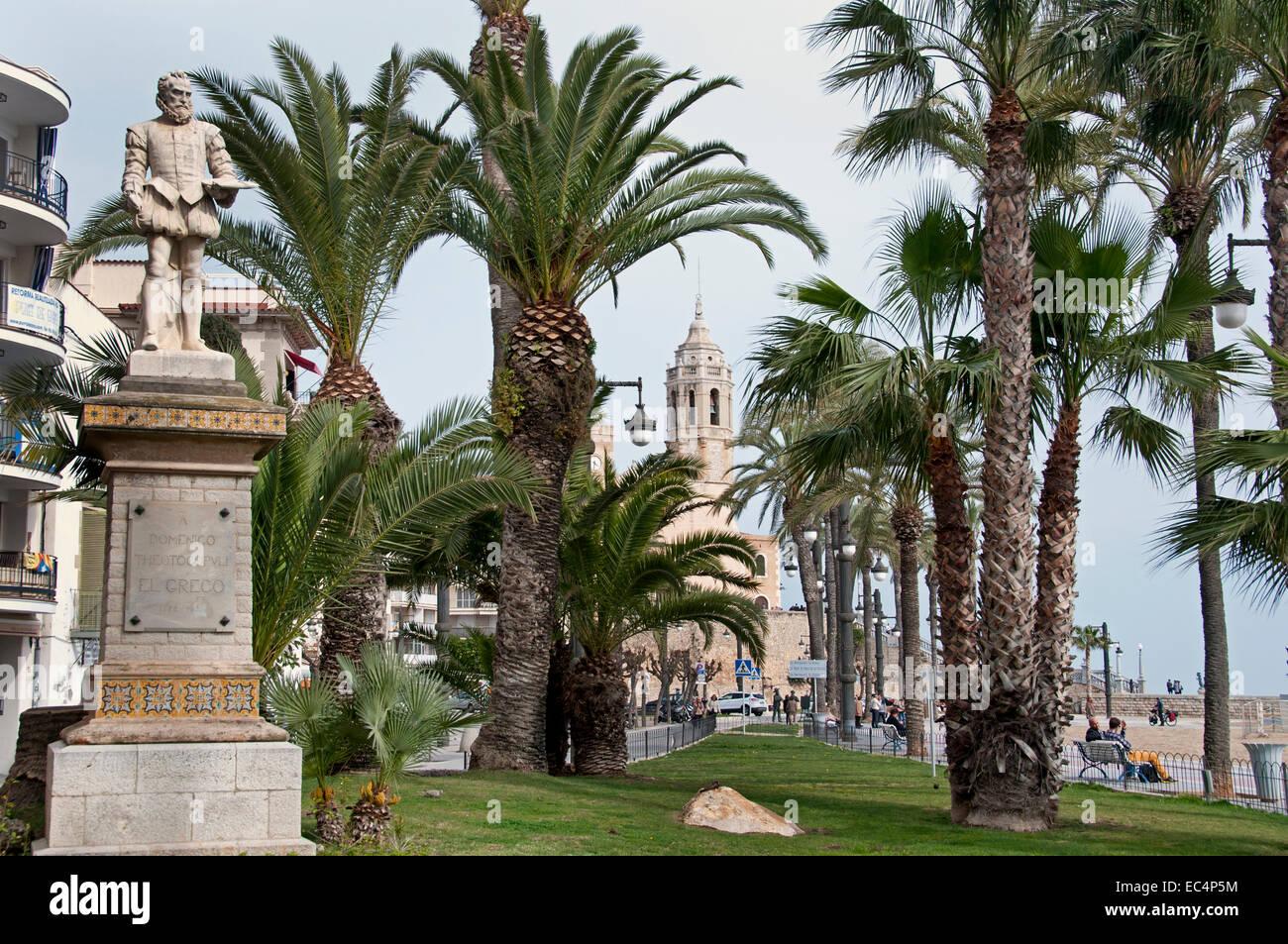 Spiaggia di Sitges Palm tree garden Spagna città spagnola Immagini Stock