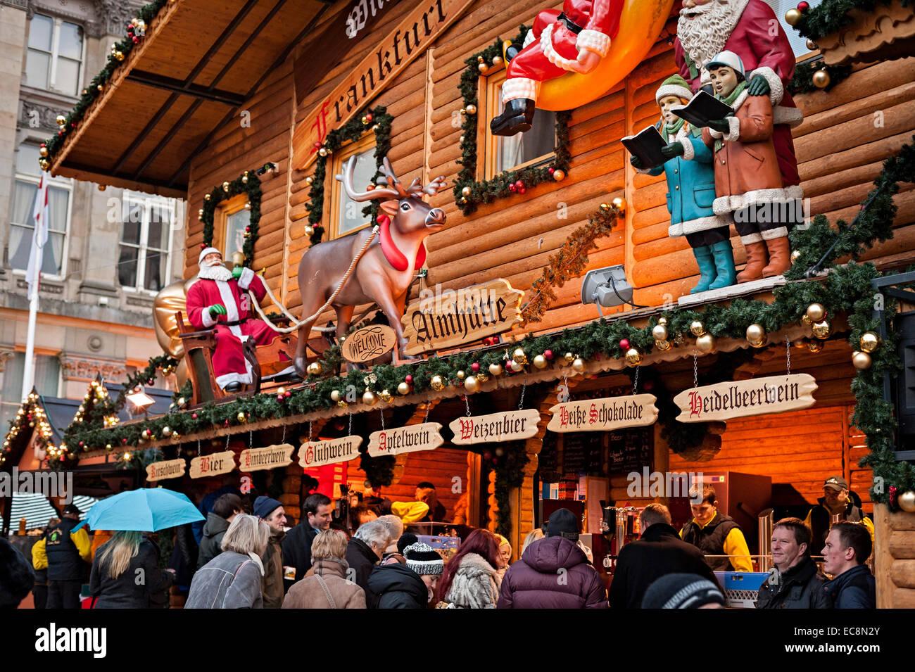 Birmingham natale mercato tedesco 8 dicembre 2014 uno dei più grande al di fuori della Germania people shopping Immagini Stock