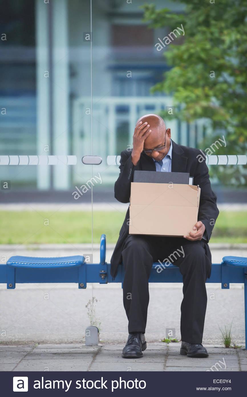 Afrikaner senzatetto isolamento insolvente la perdita del posto di lavoro Immagini Stock