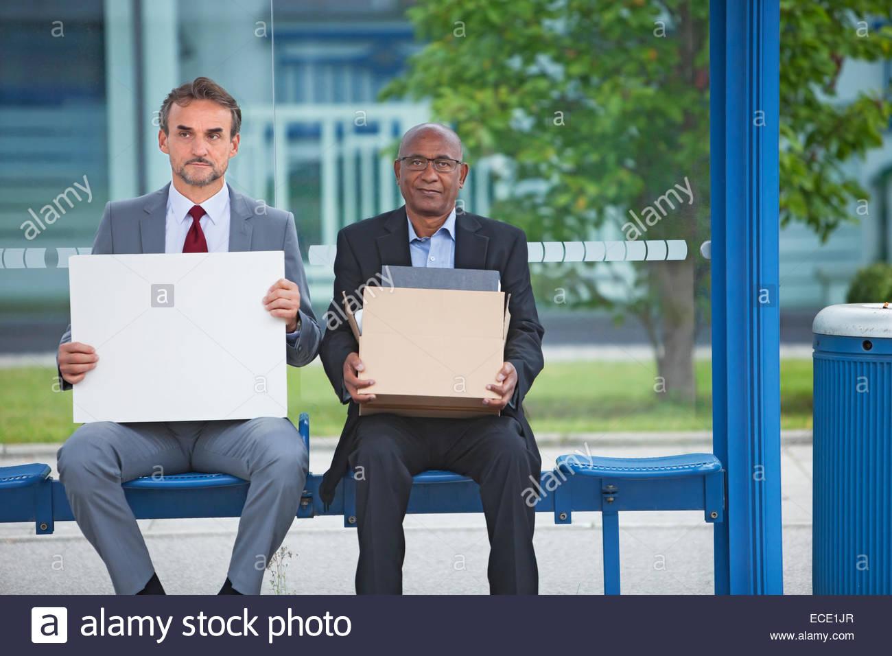 Due uomini delusi di licenziamento recessione disperato Immagini Stock