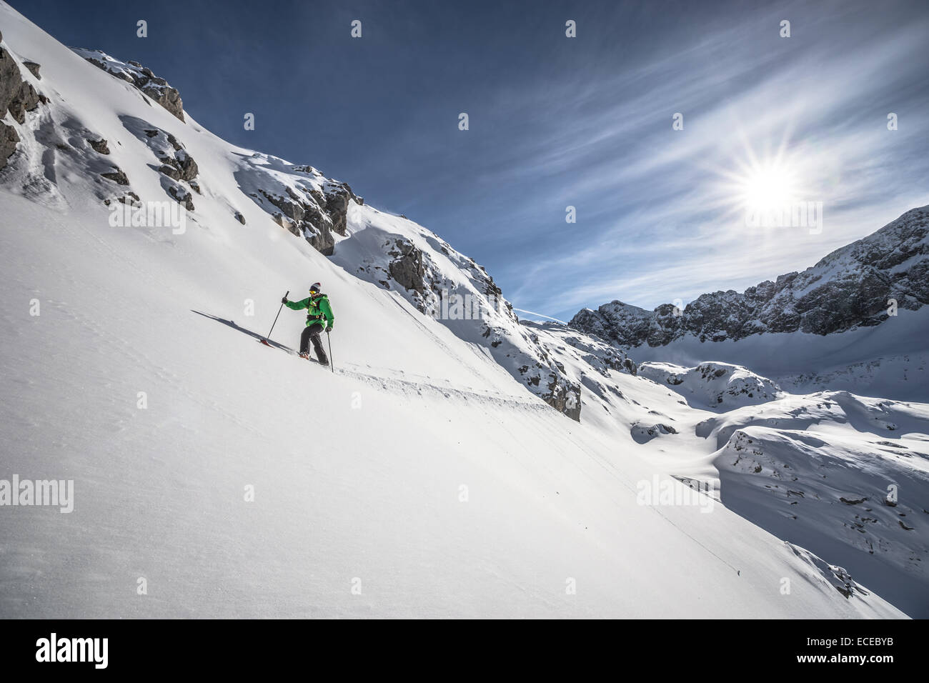 Austria, maschio sciatore voce in salita Immagini Stock