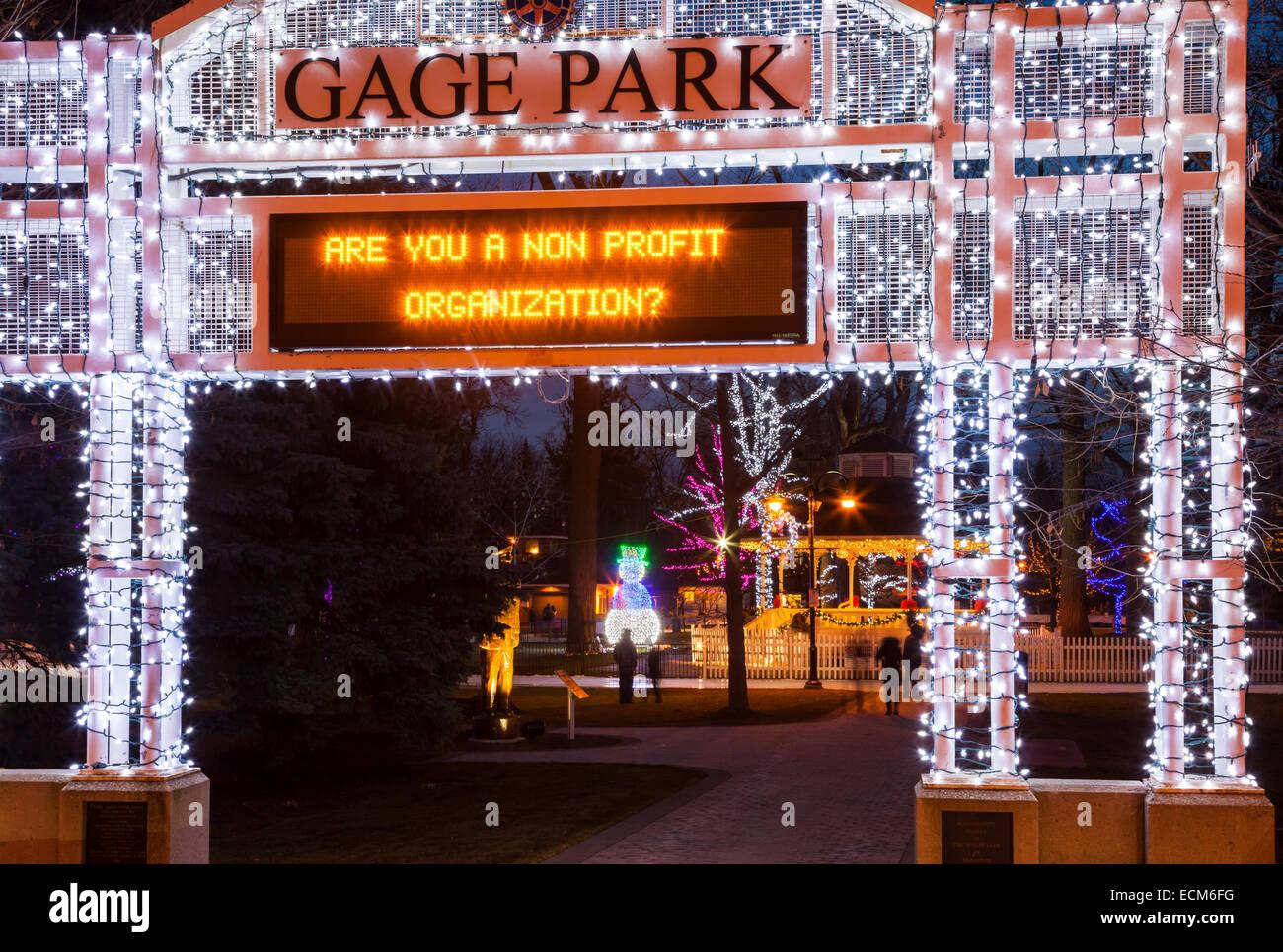 L'ingresso principale a Gage Park con un cartello luminoso nel centro cittadino di Brampton, Ontario, Canada. Immagini Stock