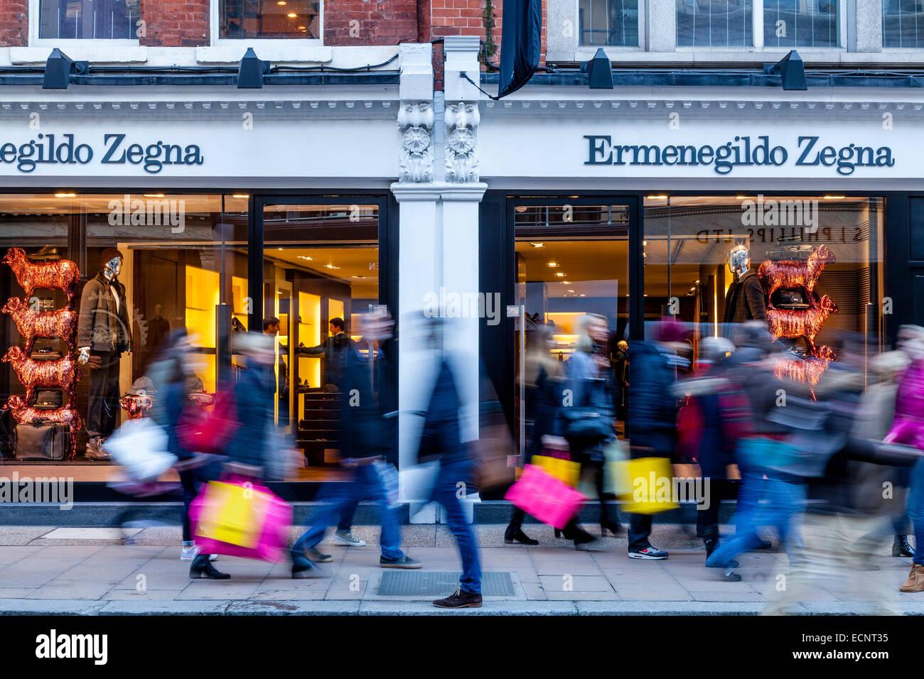 Ermenegildo Zegna negozio di abbigliamento in New Bond Street a Londra ebd6da8da99