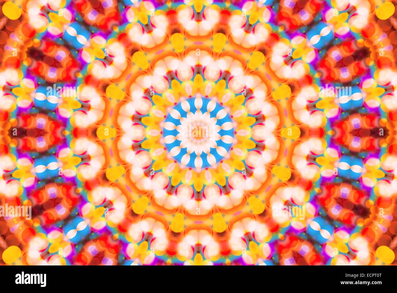 Bella colorata defocalizzata bokeh luci festive a caleidoscopio come astratta celebrazione vacanze sfondo Immagini Stock