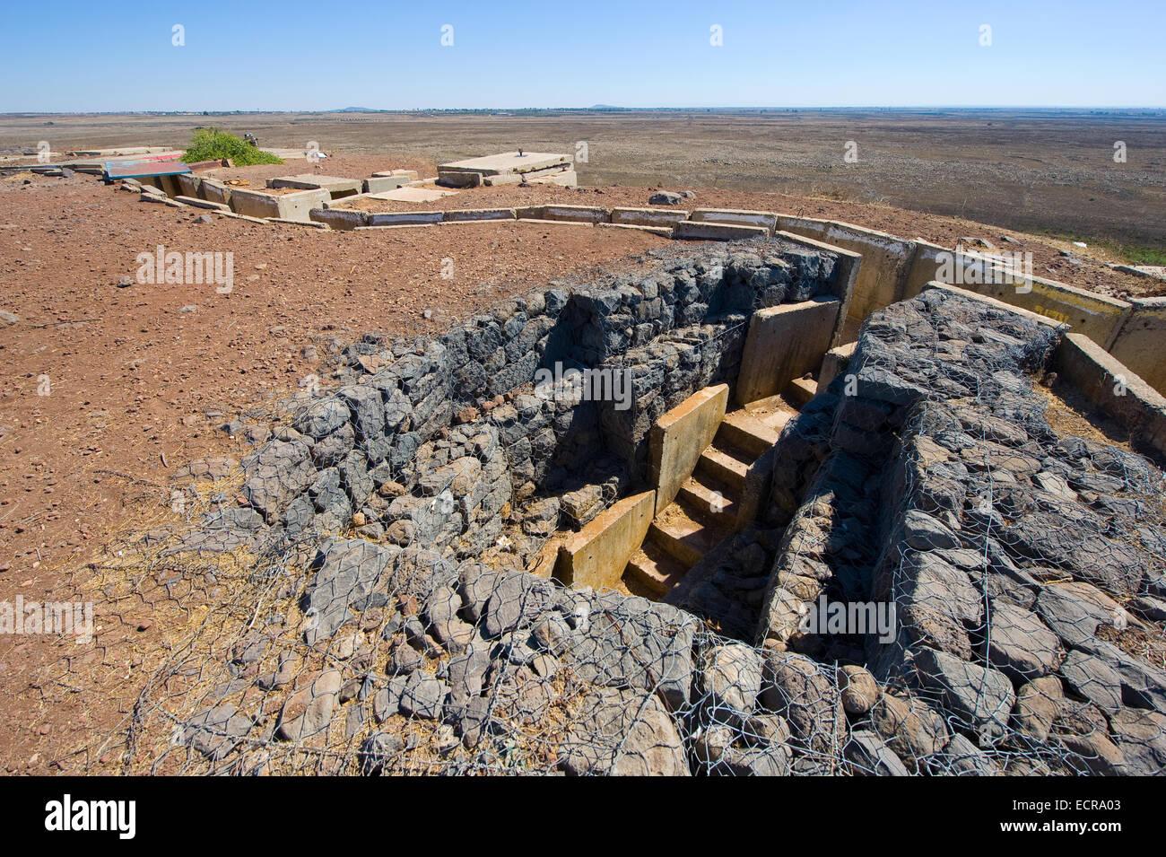 Ingresso di un bunker a 'tel e-saki' vicino al confine della Siria sulle alture del Golan Immagini Stock