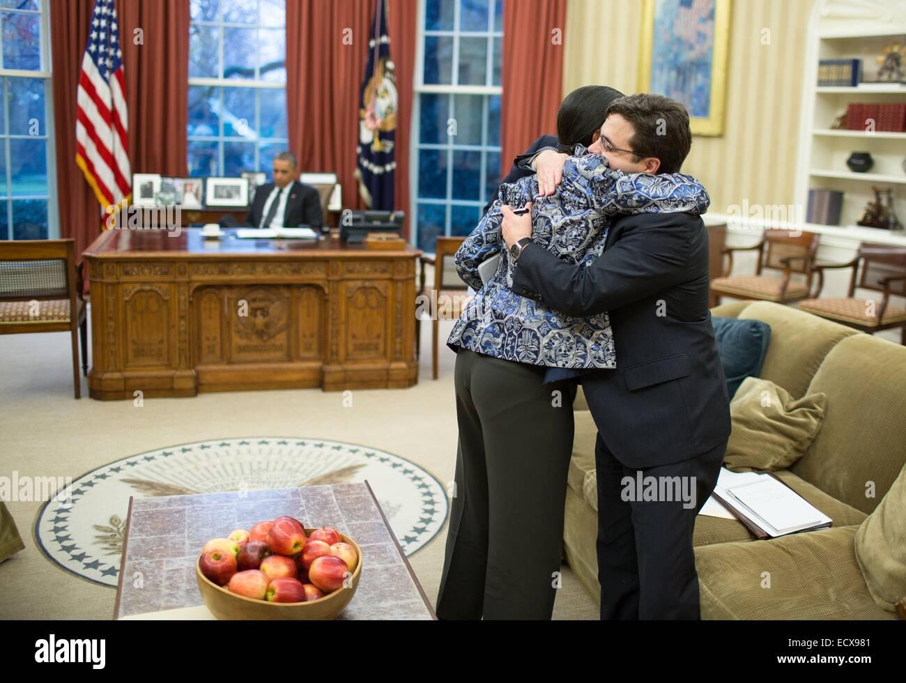 US National Security Advisor Susan E. riso abbracci Ricardo Zuniga, Consiglio di Sicurezza Nazionale Senior Director Immagini Stock