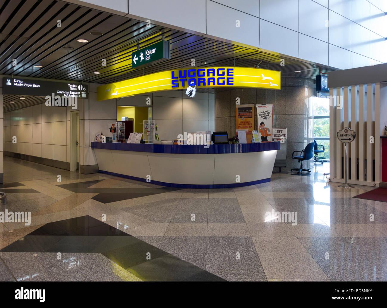 Aeroporto Internazionale di Kuala Lumpur Kuala Lumpur International Airport Deposito bagagli nella sala degli arrivi. Immagini Stock