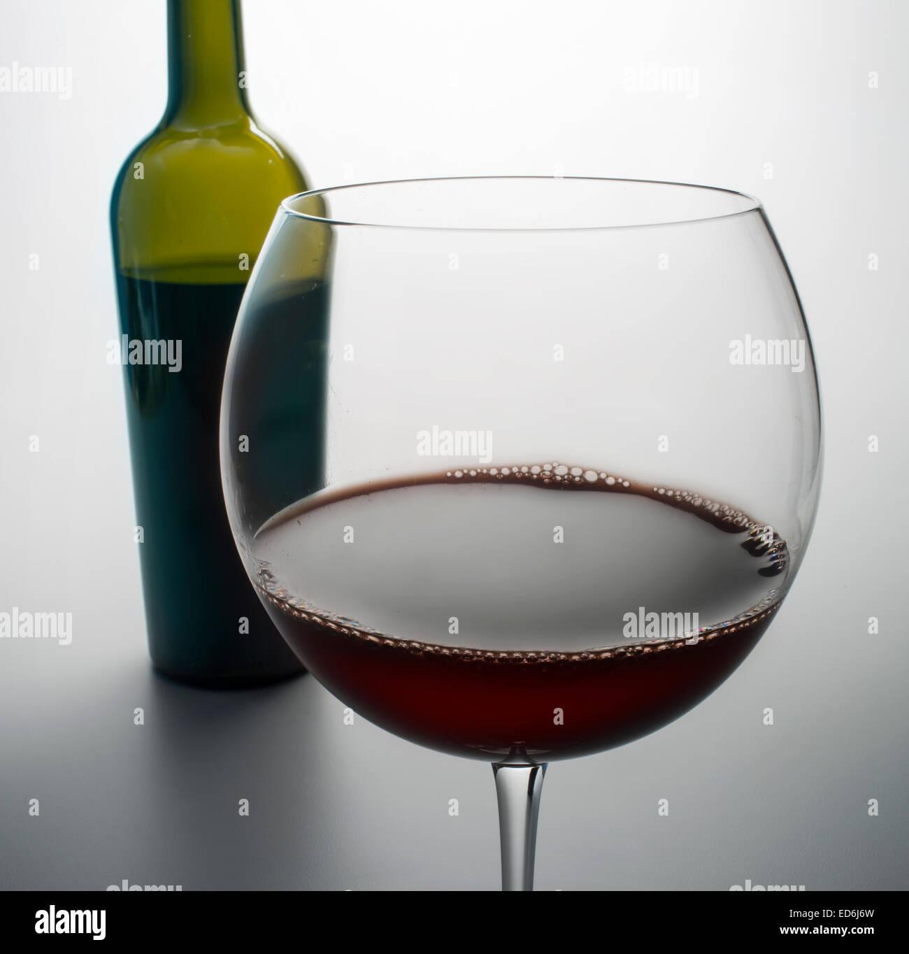 Bottiglia di vino e vetro Immagini Stock