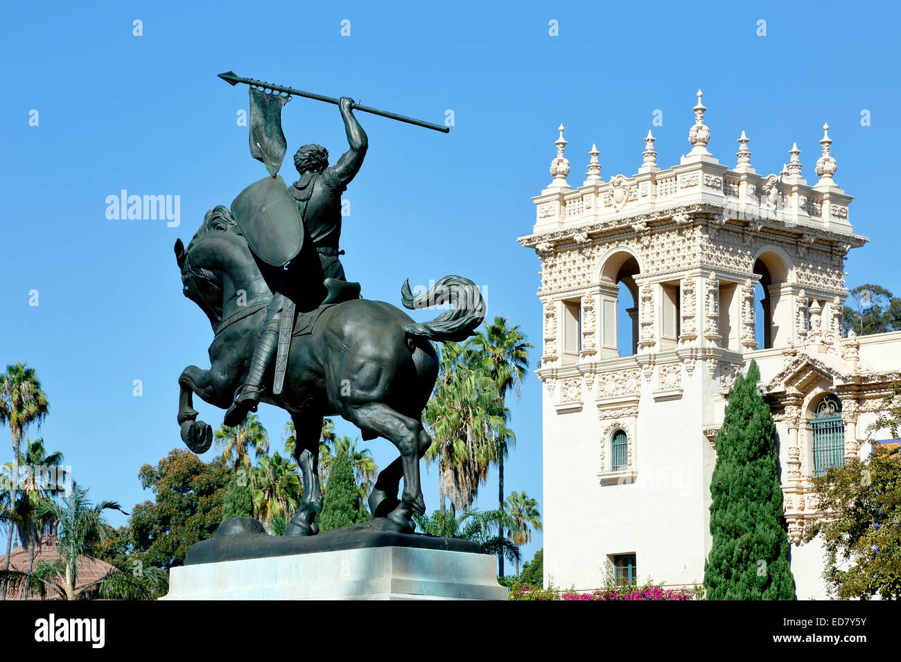 """"""" El Cid Campeador' scultura, da Anna Hyatt Huntington e Casa di Accoglienza Tower, Balboa Park, San Diego, Immagini Stock"""