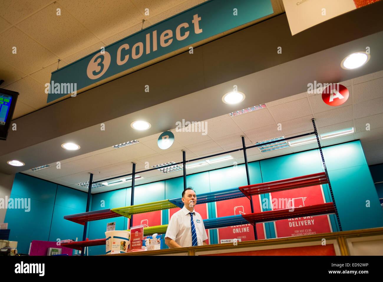 La 'raccolta' il contatore area a un Argos sconto negozio catalogo, interno, REGNO UNITO Immagini Stock