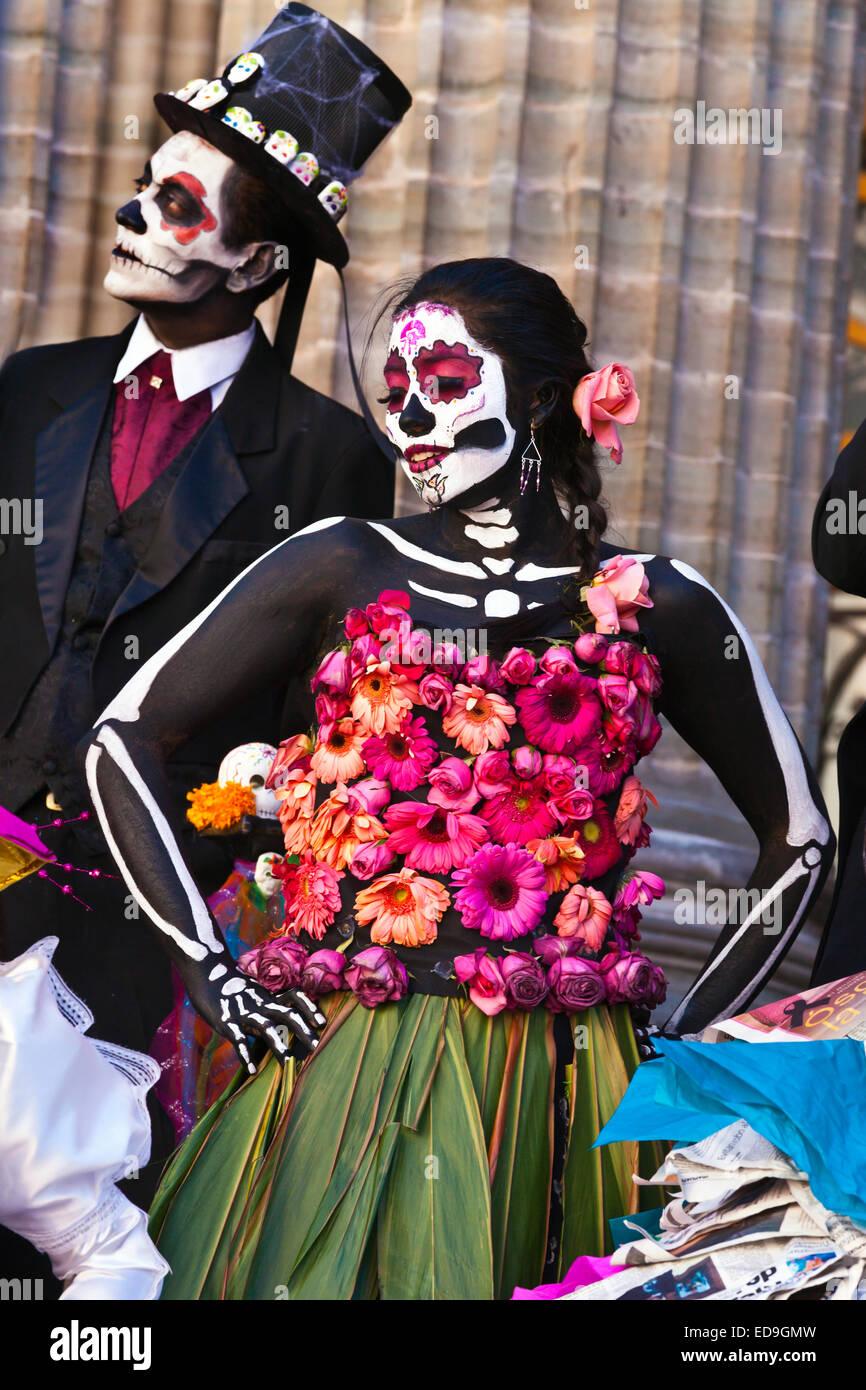 LA CALAVERA CATRINAS o eleganti teschi, sono le icone del giorno dei morti - GUANAUATO, Messico Foto Stock