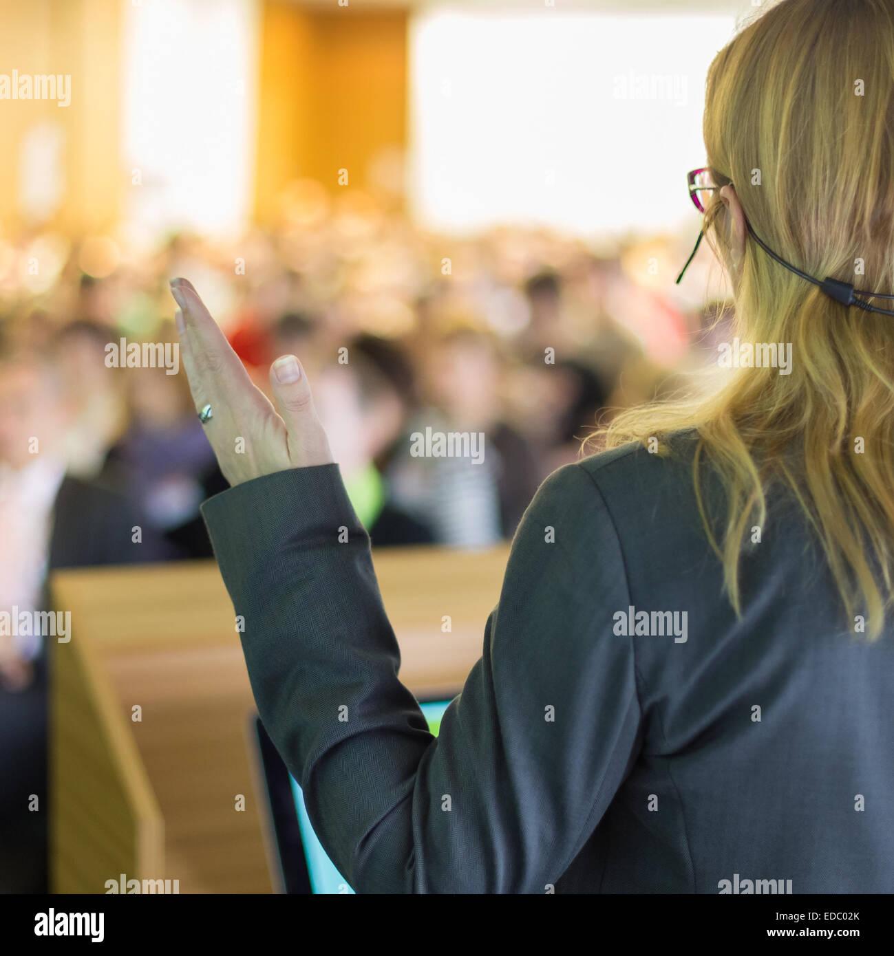Come oratore a conferenze di affari e la presentazione. Immagini Stock