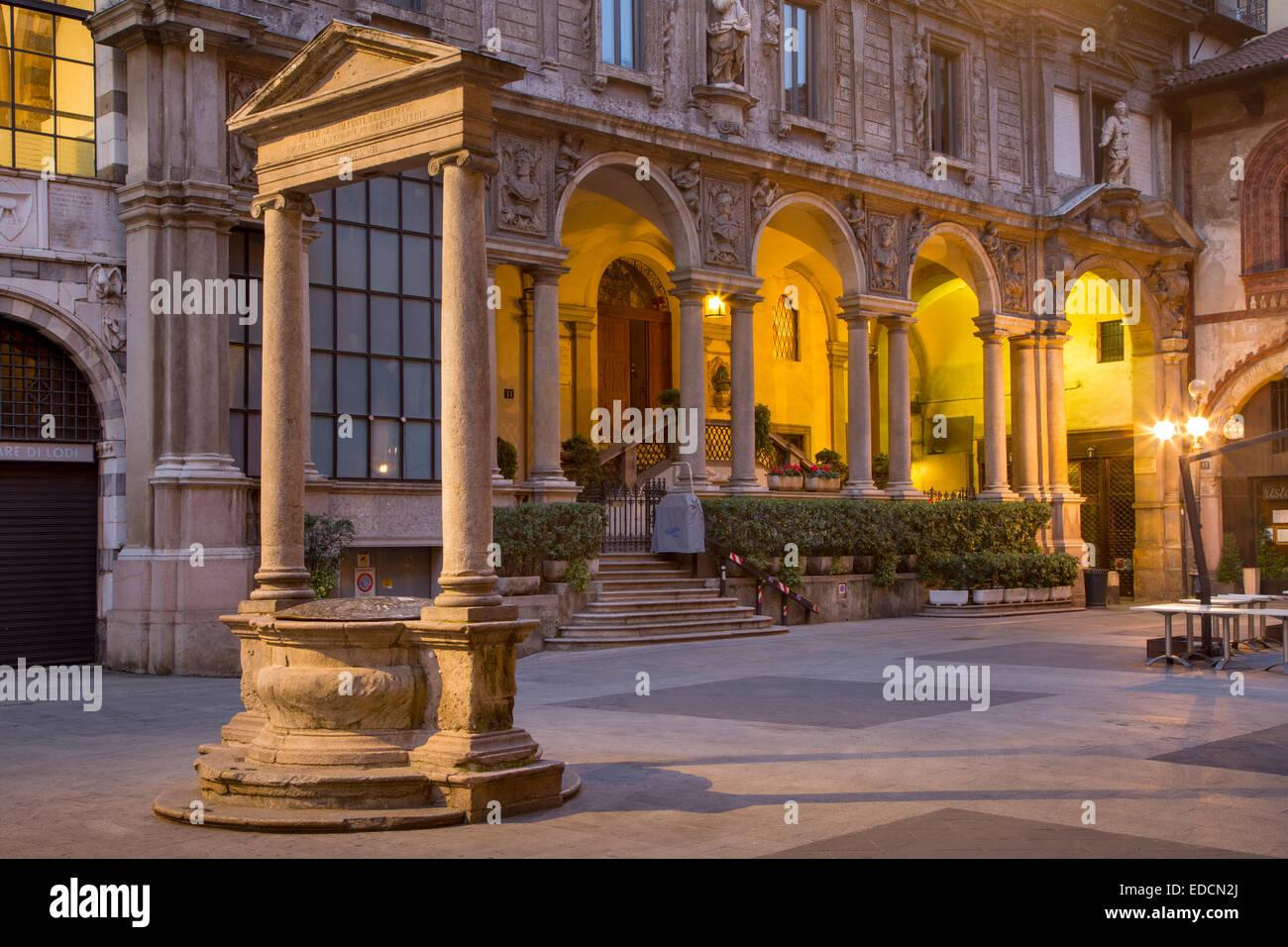 Piazza del Mercato Vecchio, Piazza dei mercanti e il palazzo della Ragione, milano, lombardia, italia Immagini Stock