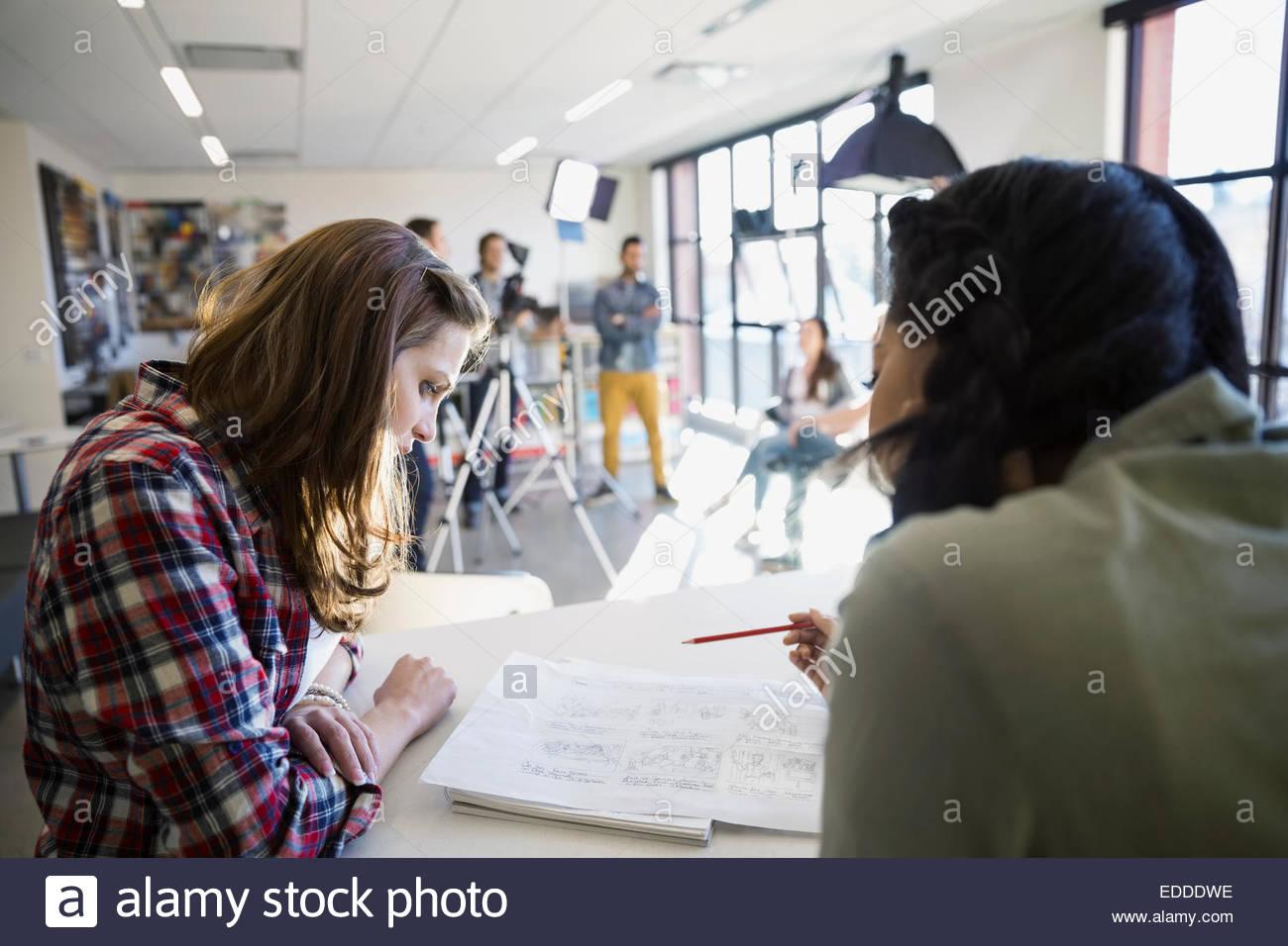 La gente di affari di pianificazione tutorial video Foto Stock