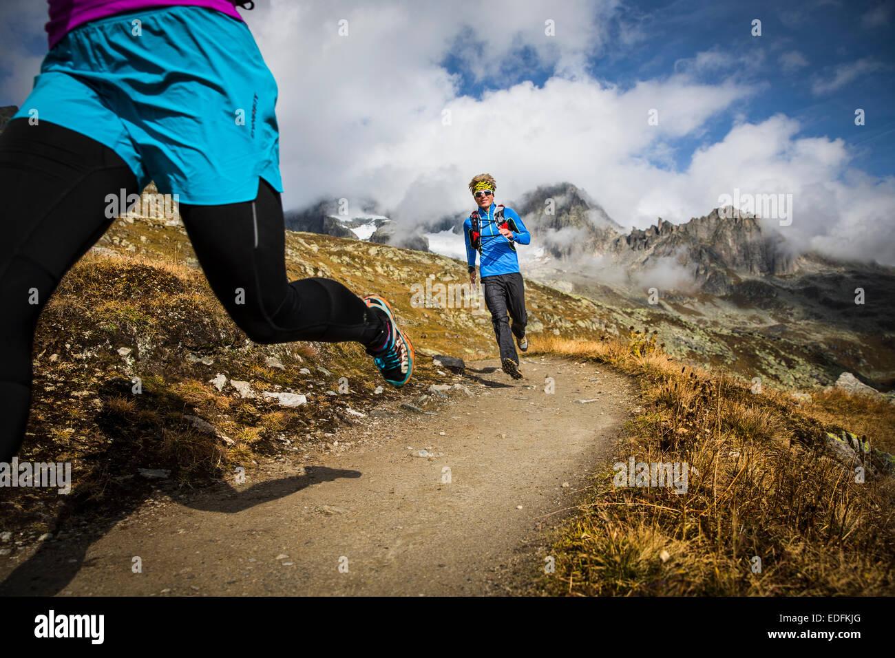 Trail Running, Furka, Svizzera Immagini Stock