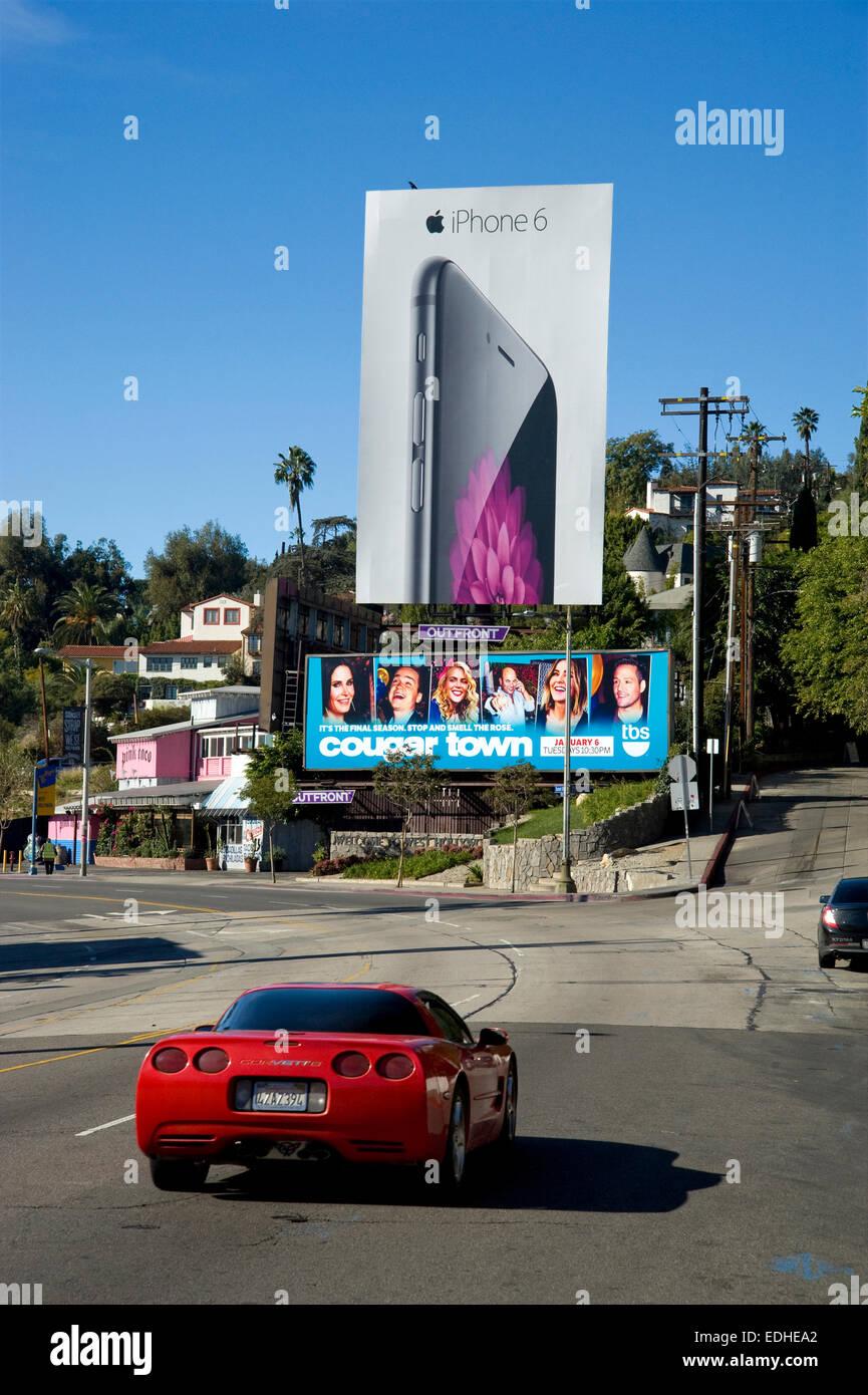 Cartelloni pubblicitari giganti sulla Sunset Strip di Los Angeles in California Immagini Stock
