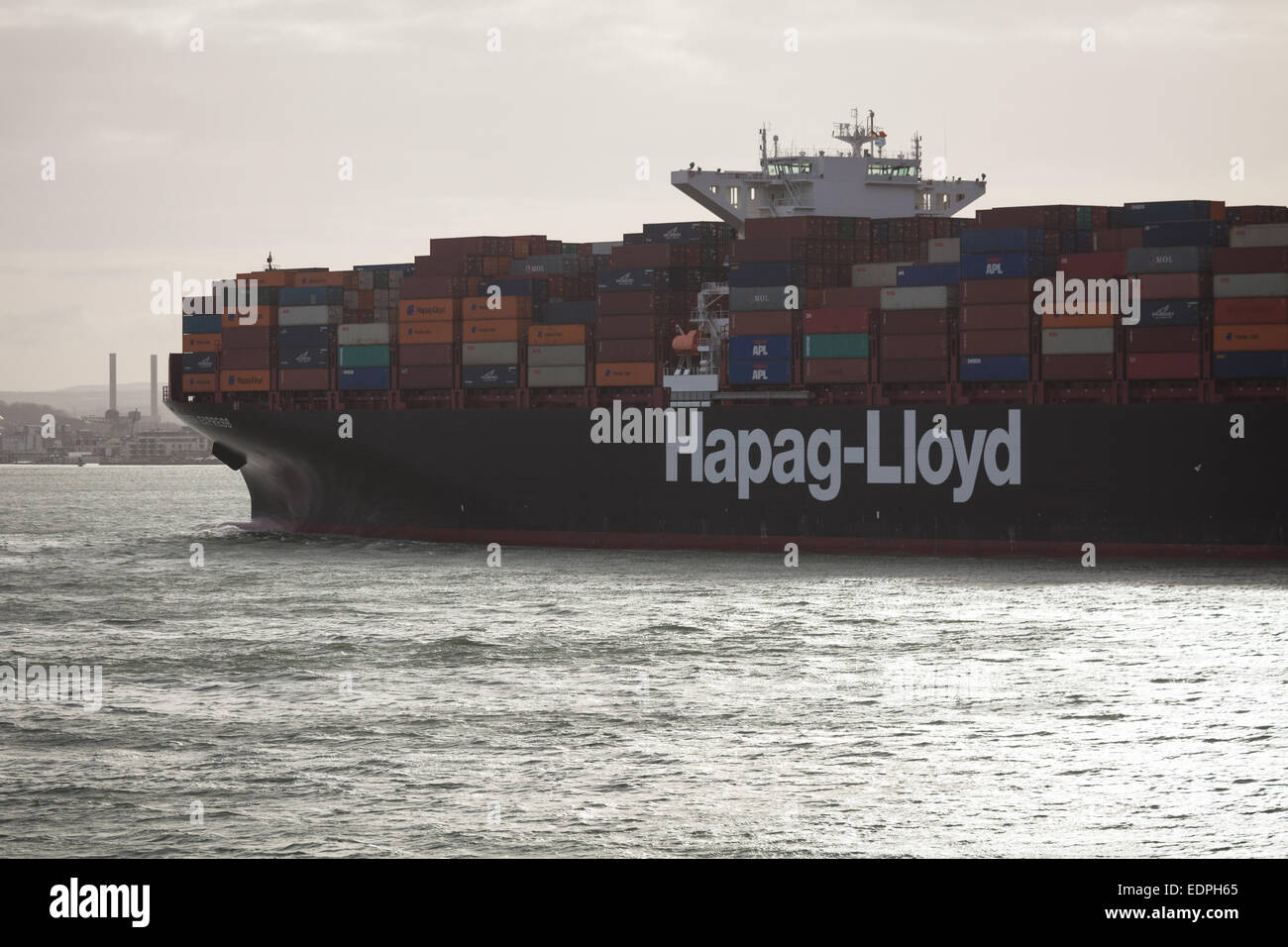 Il Hapag-Lloyds nave cargo, Essen Express in partenza Southampton. Immagini Stock