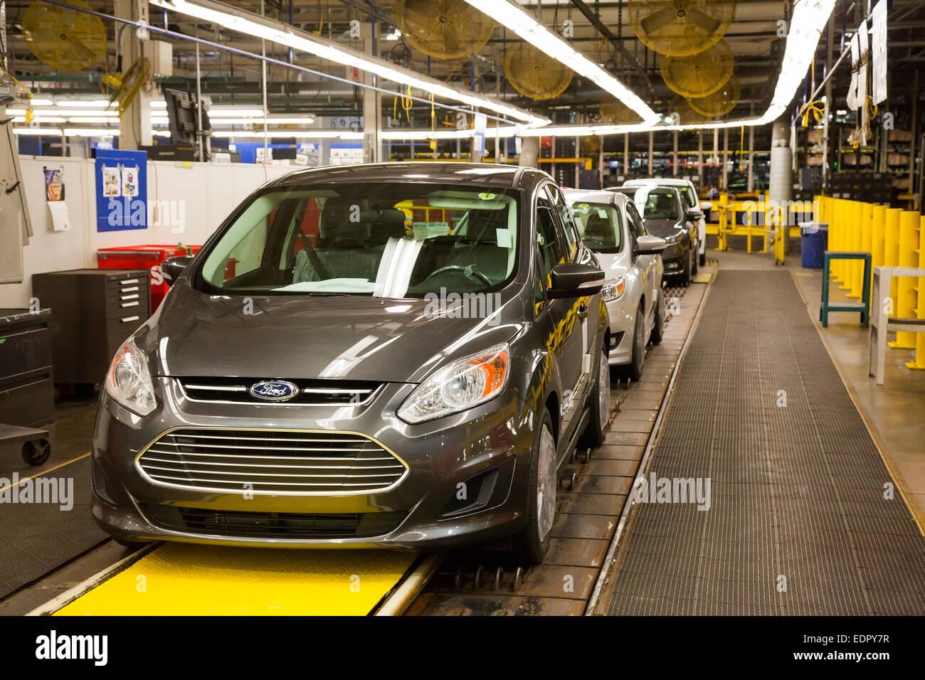 Wayne, Michigan - La Ford C-Max Hybrid a Ford Michigan impianto di assemblaggio. Immagini Stock