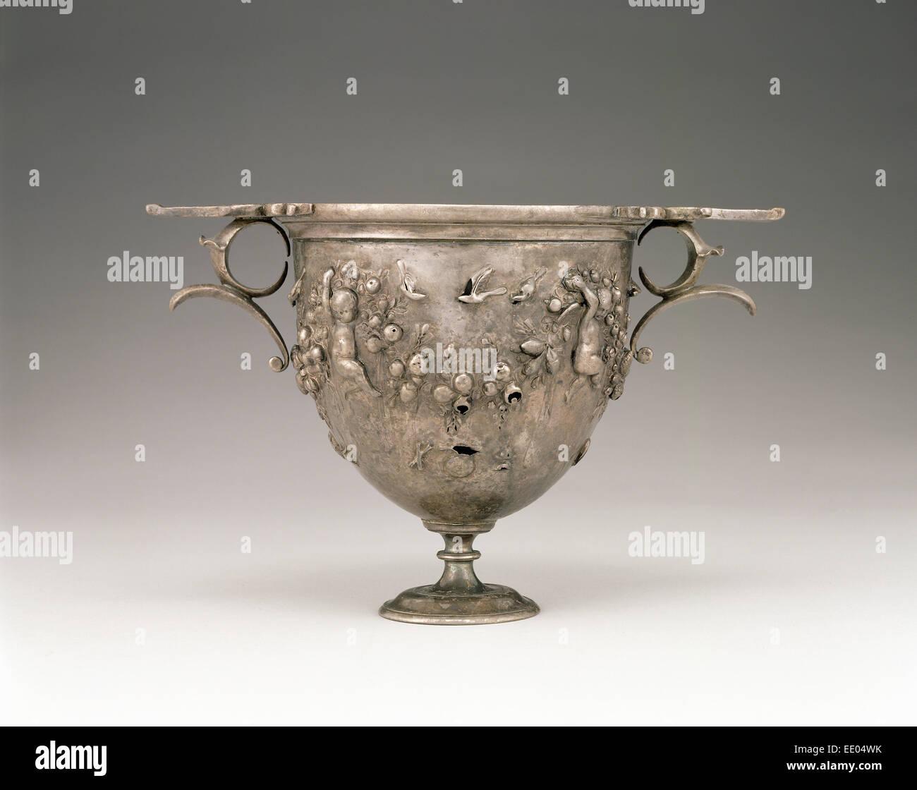 Skyphos; sconosciuta; Mediterraneo orientale; 50 - 25 A.C.; argento Immagini Stock