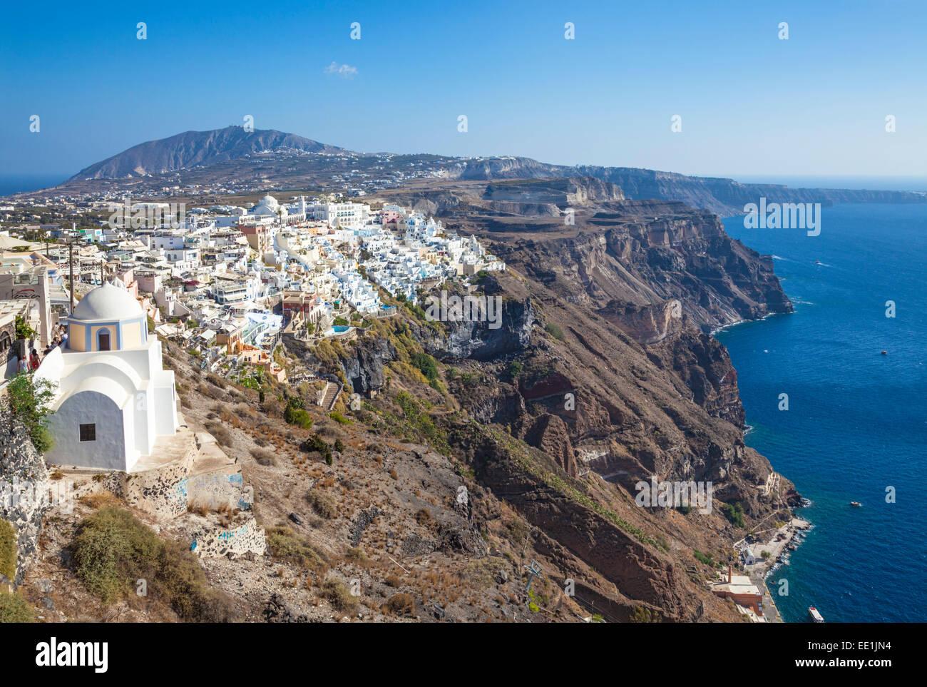 Città di Fira e la Chiesa greca di San Stylianos, Firostefani, Santorini (Thira), Isole Cicladi, isole greche, Immagini Stock
