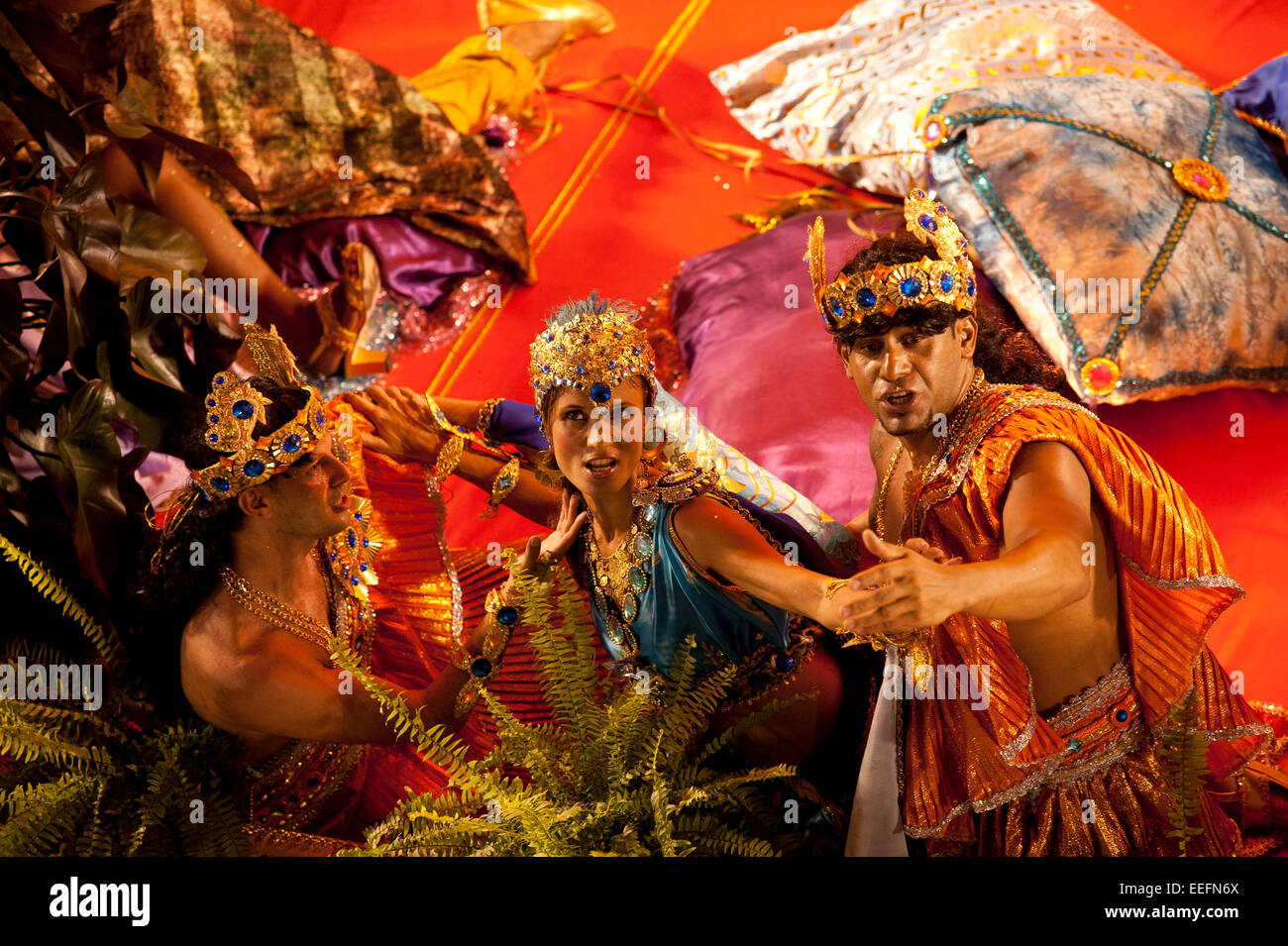 Rio de Janeiro, Brasile, 15 Febbraio 2010 - Scuola di Samba presentazione al sambodromo nel Carnevale 2010. Immagini Stock